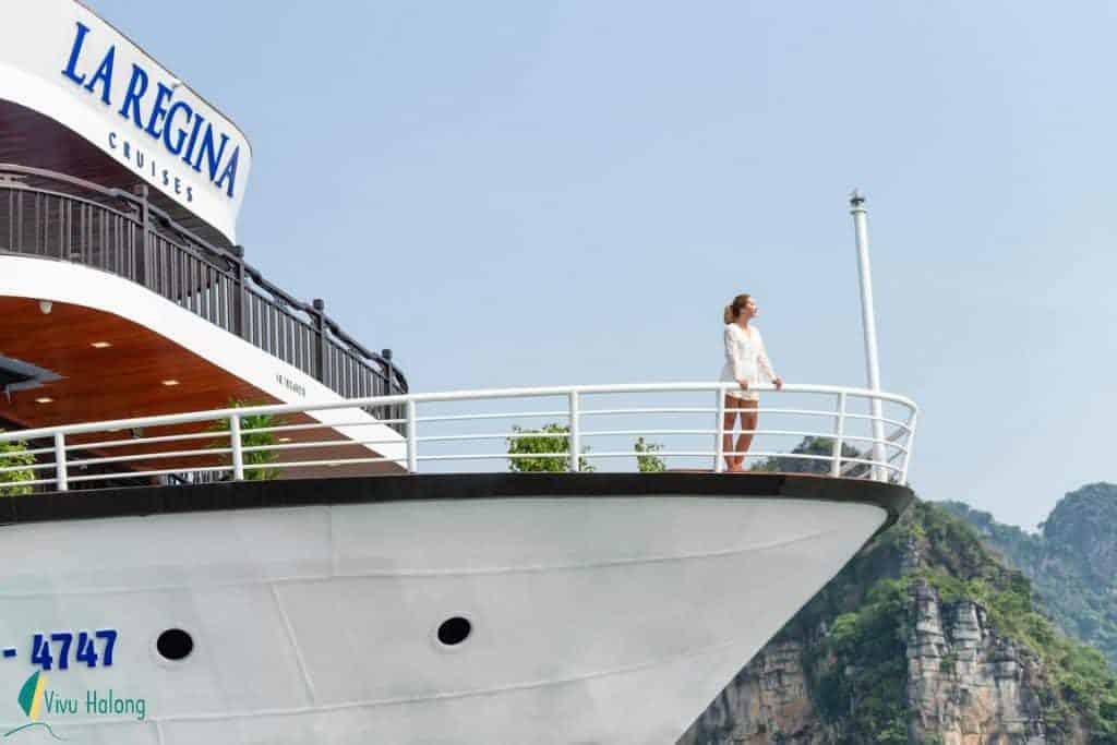 Du tuyền La Regina Legend trên vịnh Lan Hạ