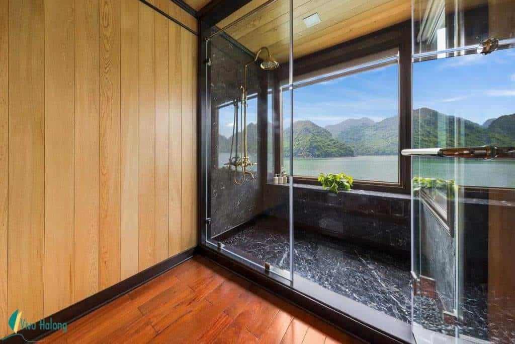 Phòng tắm Du thuyền La Regina Legend