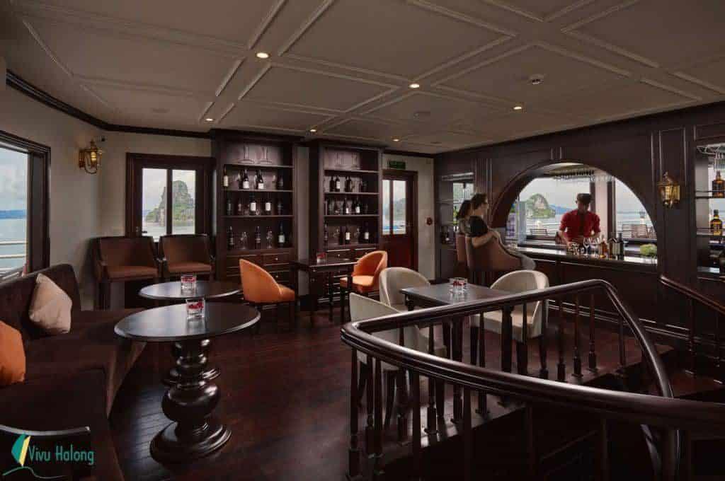 Quầy bar Du thuyền Athena