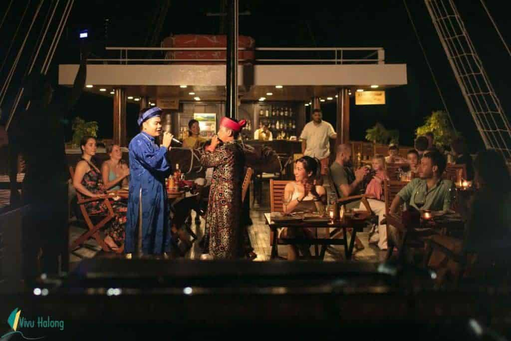 Ăn tối trên du thuyền Perla Dawn Sails