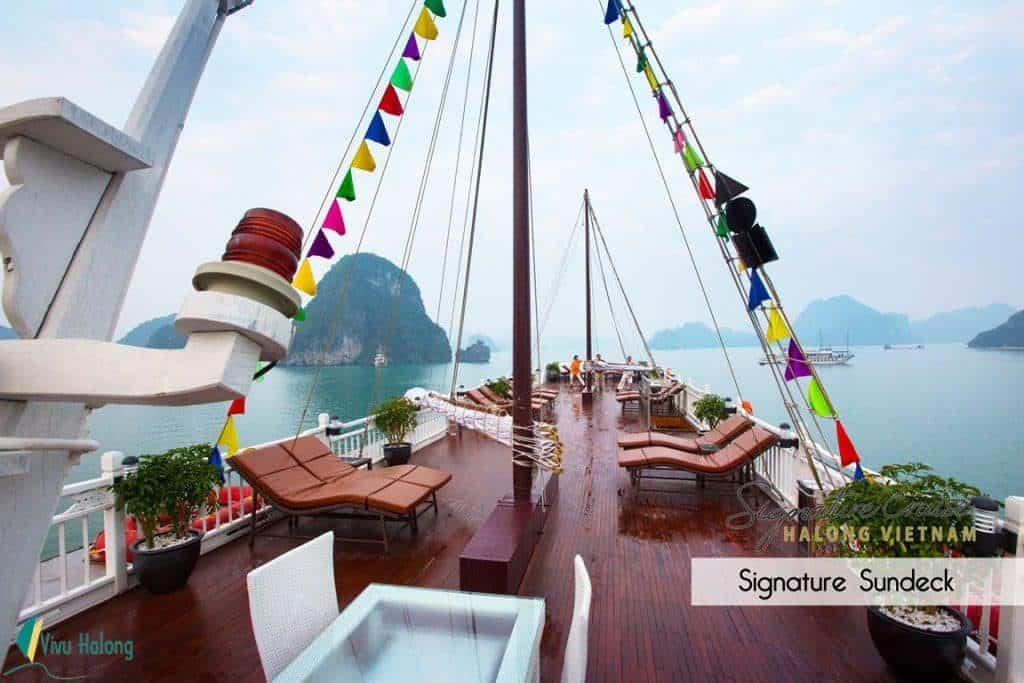 Sundeck du thuyền Signature Hạ Long