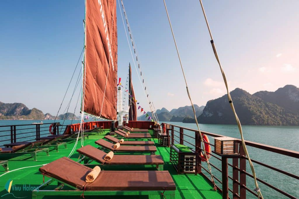 Sundeck Du thuyền V'spirit Premier (2)