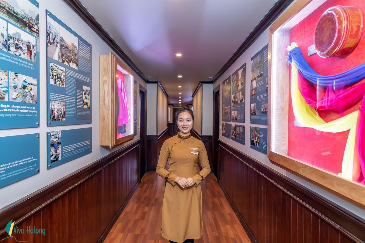 Du thuyền Sealife Legend Lan Hạ