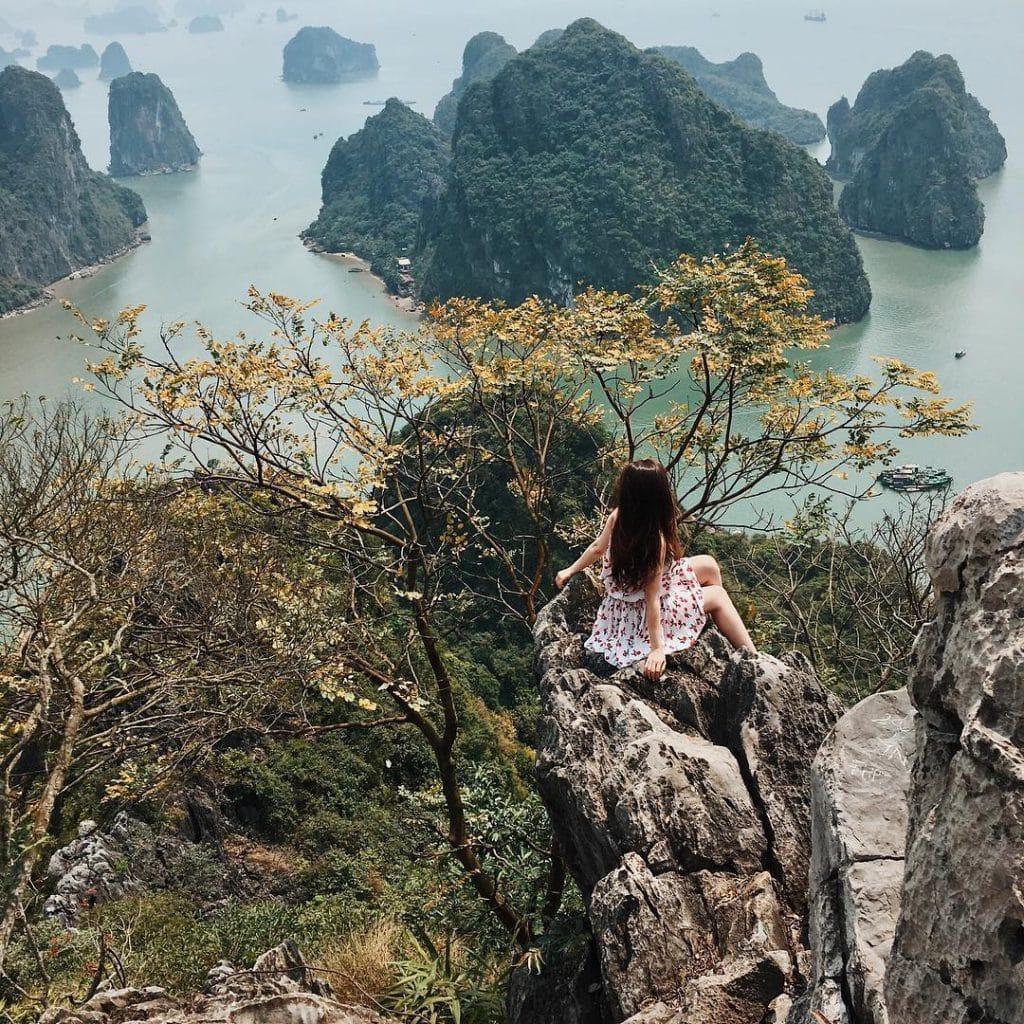 Núi Bài Thơ Quảng Ninh