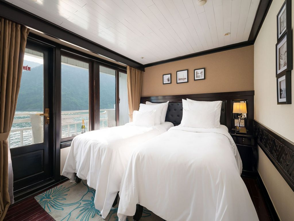 Phòng deluxe trên du thuyền Paradise Elegance
