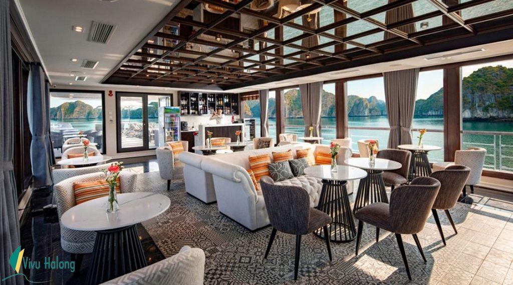 Nhà hàng trên du thuyền Jade Sails Hạ Long