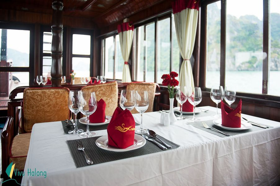 Nhà hàng trên tàu Swan