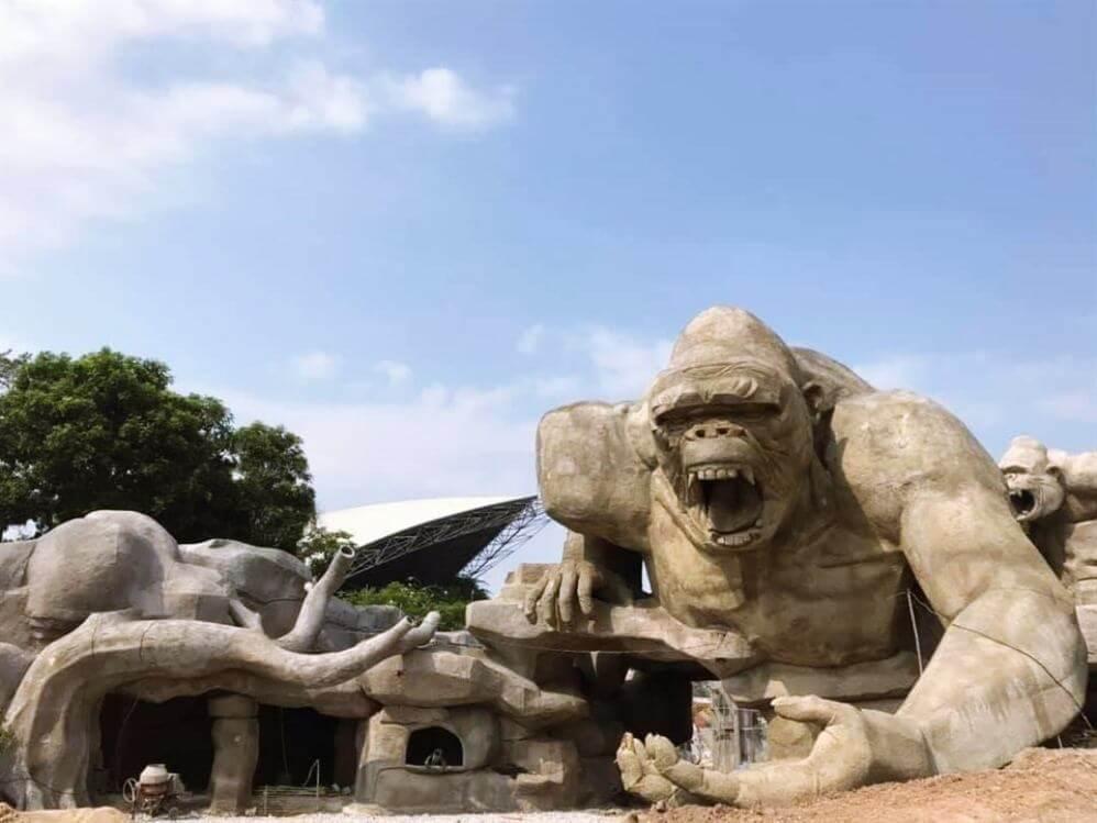 Tuan Chau Dinosaur Park