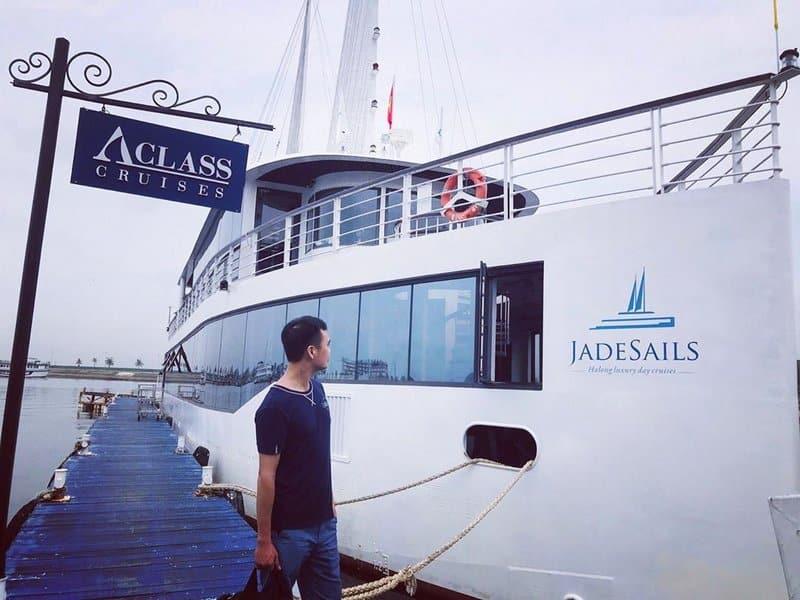 Jade Sails, luxury day tour on Lan Ha Bay