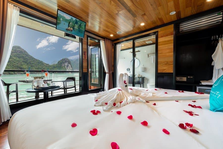 Senior Suite cabin on Serenity Cruises