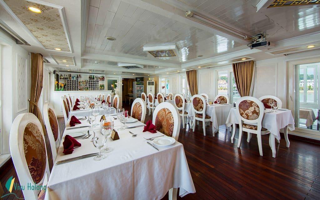 Restaurant on Signature cruise