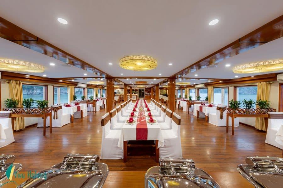 Restaurant on Huong Hai Sealife cruise