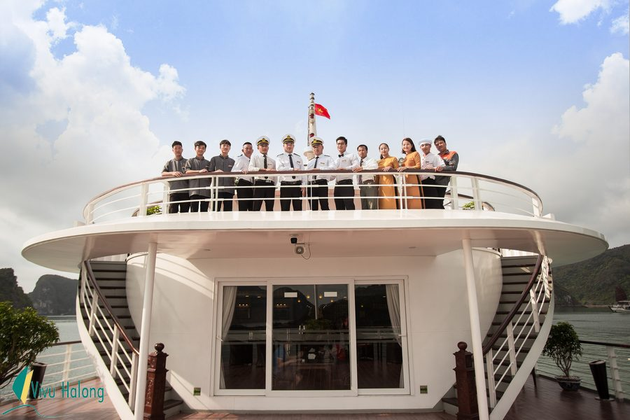 Mon Cheri Cruise team welcome you onboard