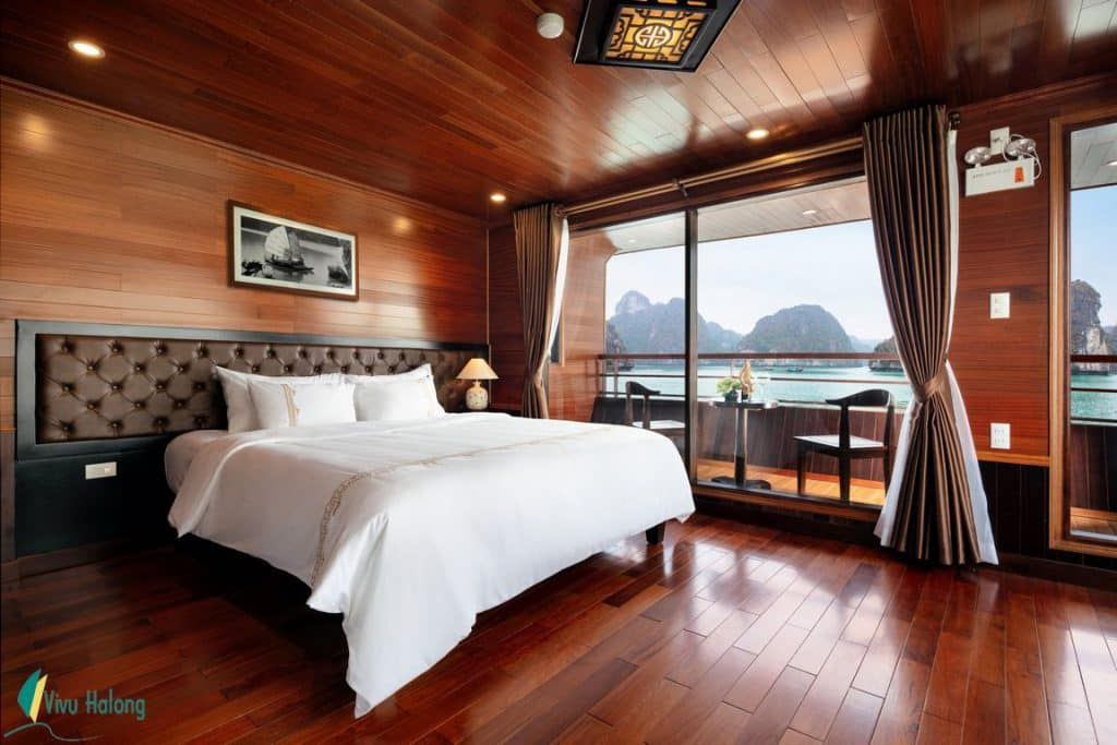 Guest's cabin on V'Spirit Premier Cruise