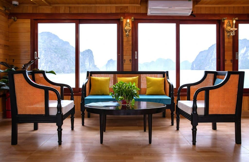 Serenity day cruise interior