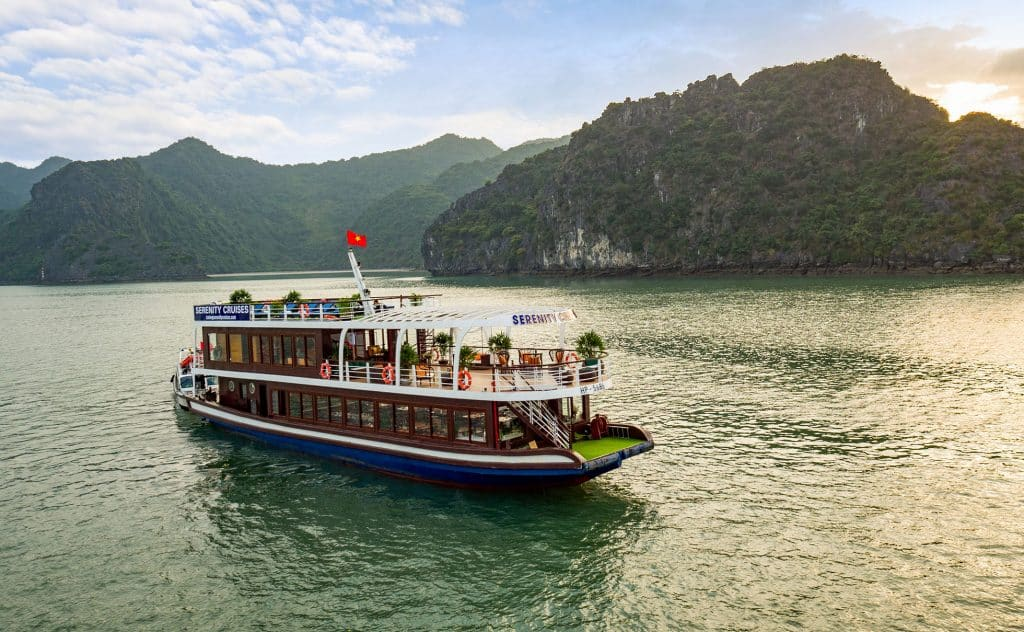 Lan Ha Bay day tour on Serenity cruise