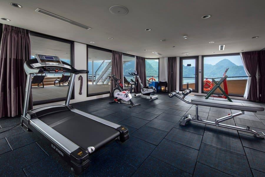 Khu vực tập gym trên du thuyền