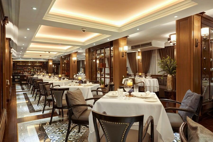 Nhà hàng có sức chứa cho gần 100 khách