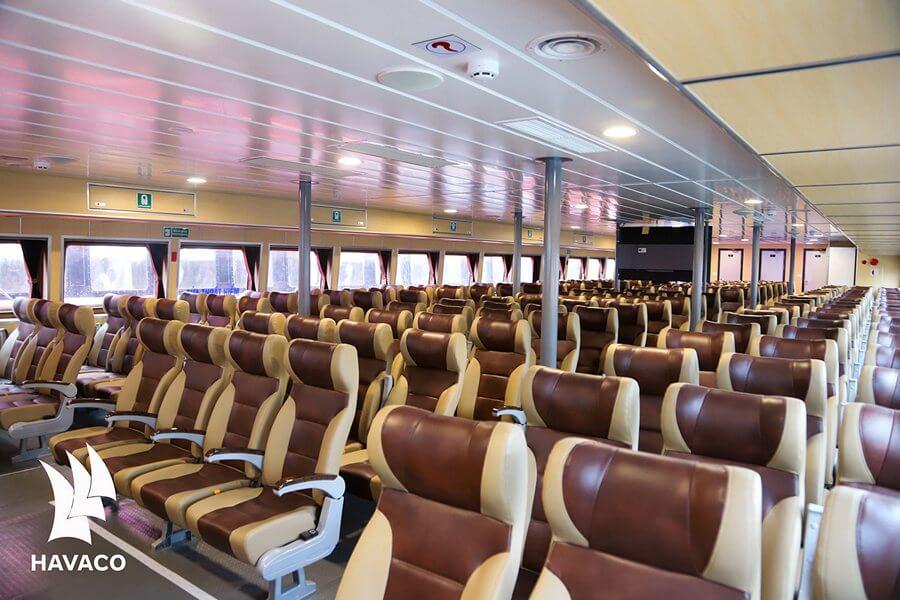 Nội thất bên trong tàu Tuần Châu Express