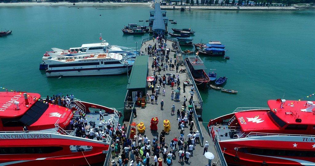 Cảng tàu tại Cô Tô