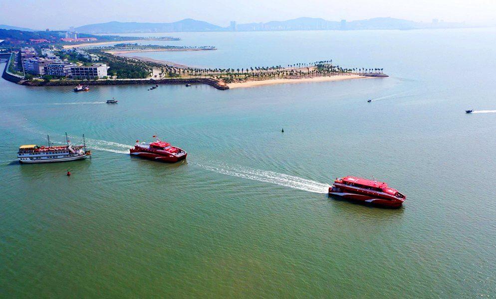 Tàu cao tốc 2 thân Tuần Châu Express