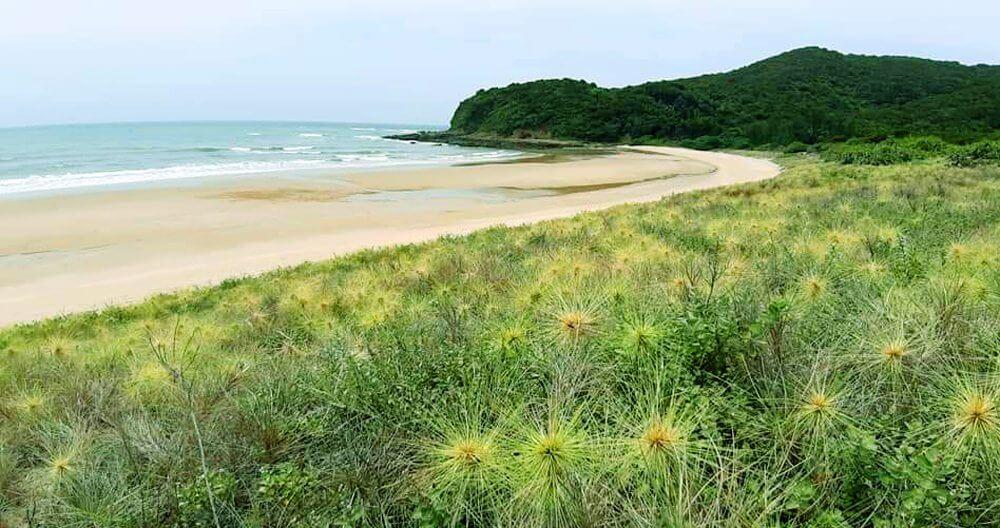Bãi biển Vụng Ba Châu
