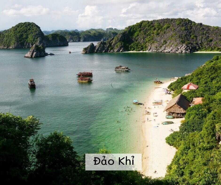 Đảo Khỉ trên Vịnh Lan Hạ - Cát Bà
