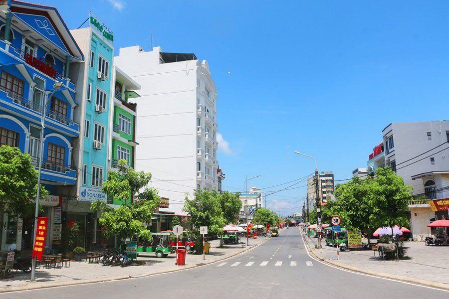 Trung tâm thị trấn Cô Tô