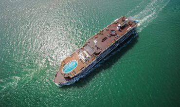 Du thuyền Heritage Bình Chuẩn nhìn từ trên cao